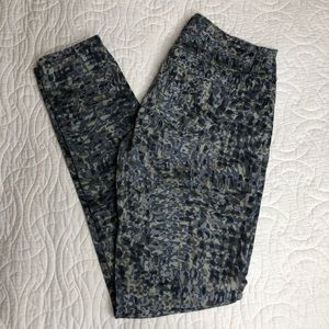 CAbi Style 604 Printed Skinny Jeans Size 4